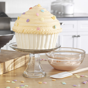 Birthday Party Idea: Giant Cup Cake